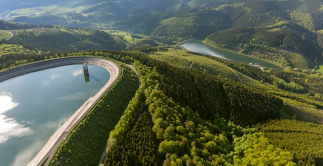 overcoming-the-barriers-to-pumped-storage-hydropower-680x350